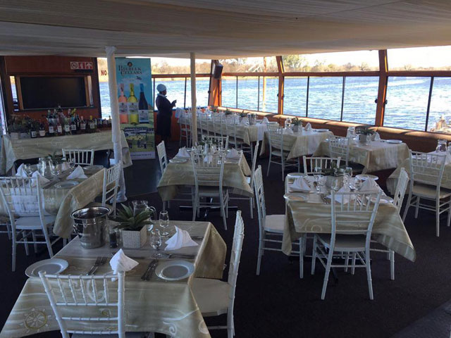 Sunday Lunch Buffet on the Vaal River